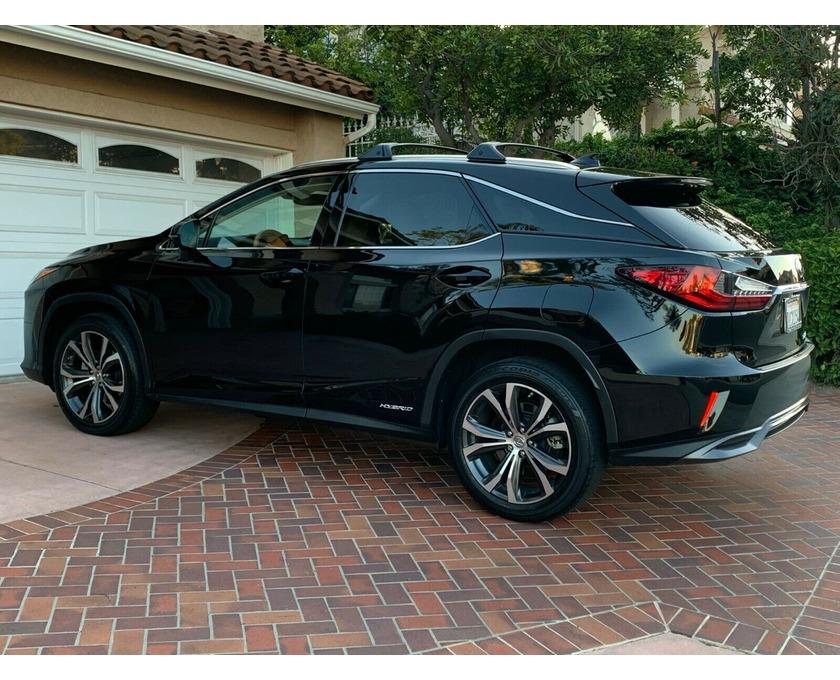 Selling Lexus SUV - 1/6
