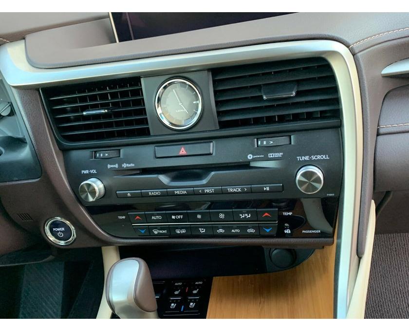 Selling Lexus SUV - 4/6