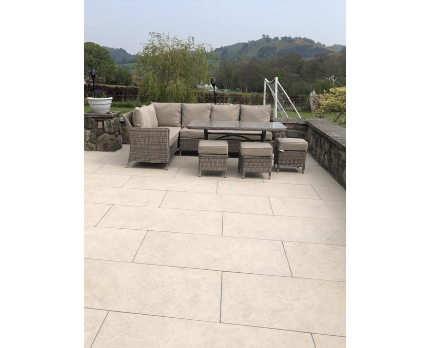 Bradstone outdoor Porcelain Paving  - Royale Stones - 1/1
